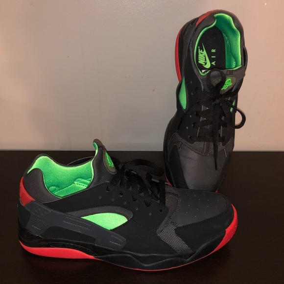 black red and green huaraches